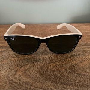 Ray-Ban Wayfarer Sunglasses 52mm